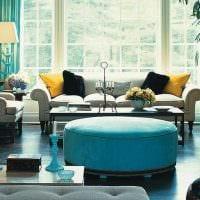 яркий интерьер комнаты в голубом цвете картинка