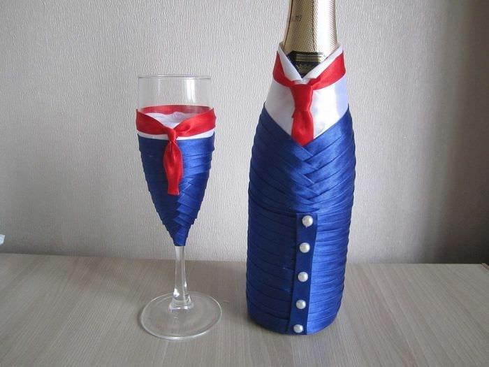оригинальное декорирование бутылок шампанского декоративными ленточками