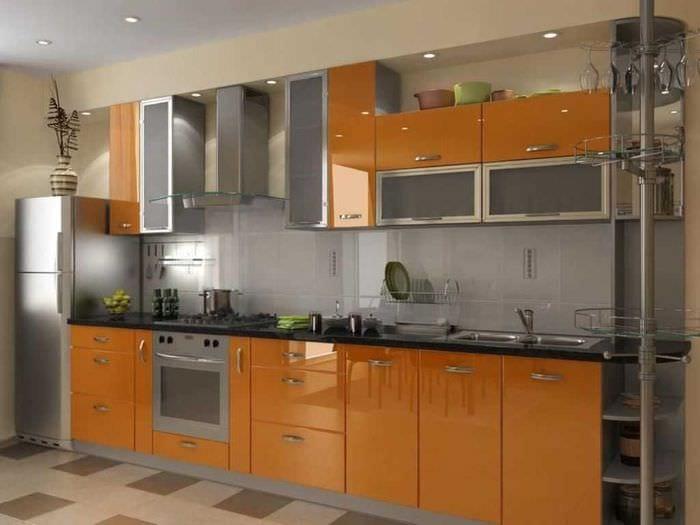 сочетание яркого оранжевого в декоре кухни с другими цветами