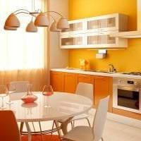 сочетание яркого оранжевого в интерьере комнаты с другими цветами картинка