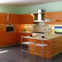 сочетание светлого оранжевого в интерьере кухни с другими цветами картинка