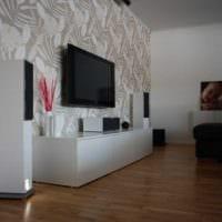 сочетание красивых обоев в дизайне гостиной картинка