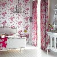 сочетание темного розового в дизайне комнаты с другими цветами картинка