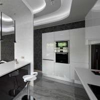 сочетание яркого серого цвета в дизайне гостиной фото