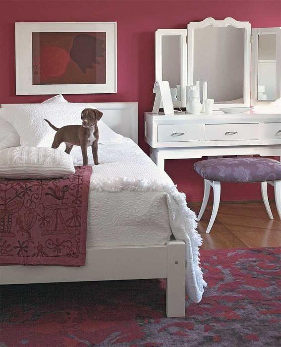 сочетание темных цветов в дизайне спальни
