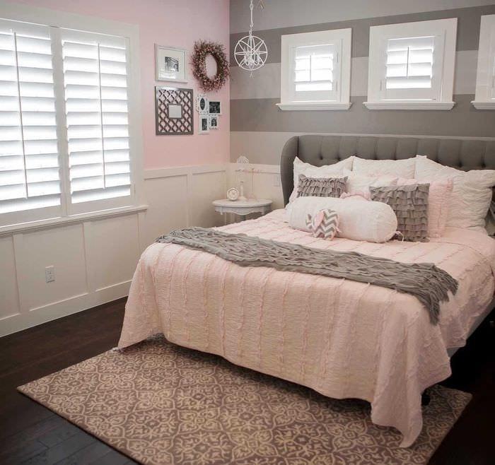 комбинирование ярких тонов в декоре спальни