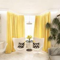 комбинирование светлых штор в стиле комнате фото
