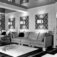 сочетание красивых обоев в дизайне гостиной комнаты картинка