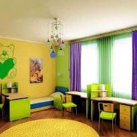 сочетание ярких штор в декоре комнате картинка