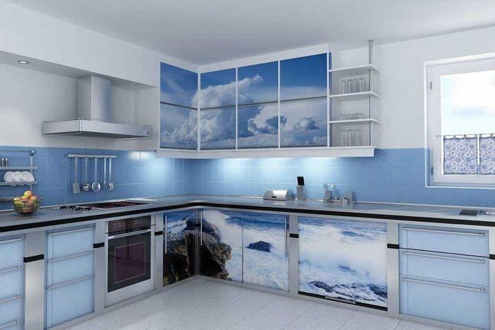 сочетание темных тонов в интерьере кухни