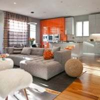 сочетание светлого оранжевого в дизайне спальни с другими цветами картинка