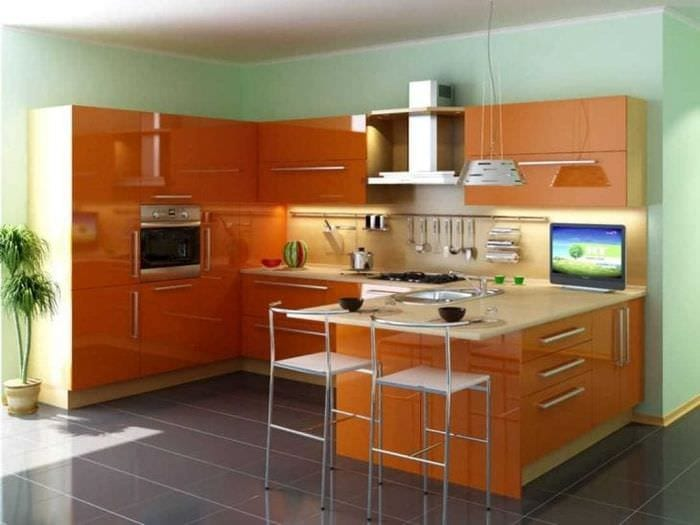 сочетание светлого оранжевого в декоре квартиры с другими цветами