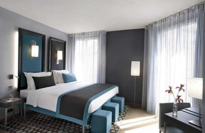 сочетание яркого серого цвета в дизайне дома