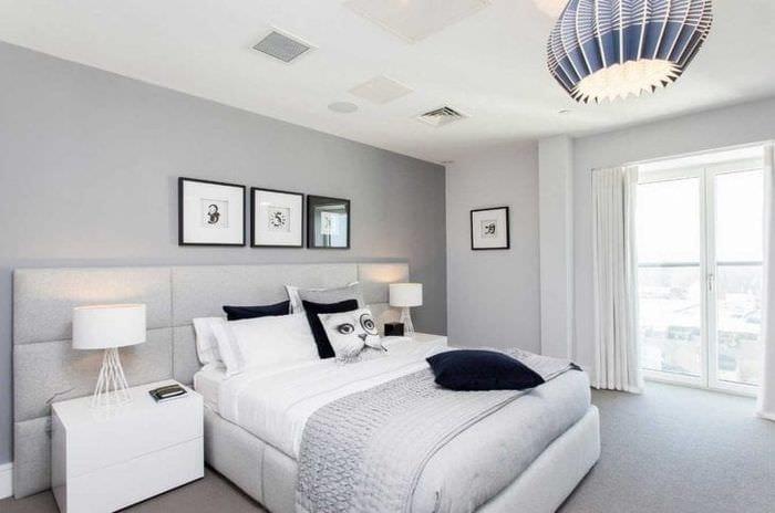 сочетание темного серого цвета в дизайне гостиной
