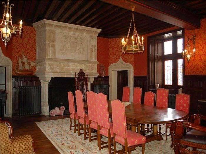 необычный фасад комнаты в готическом стиле
