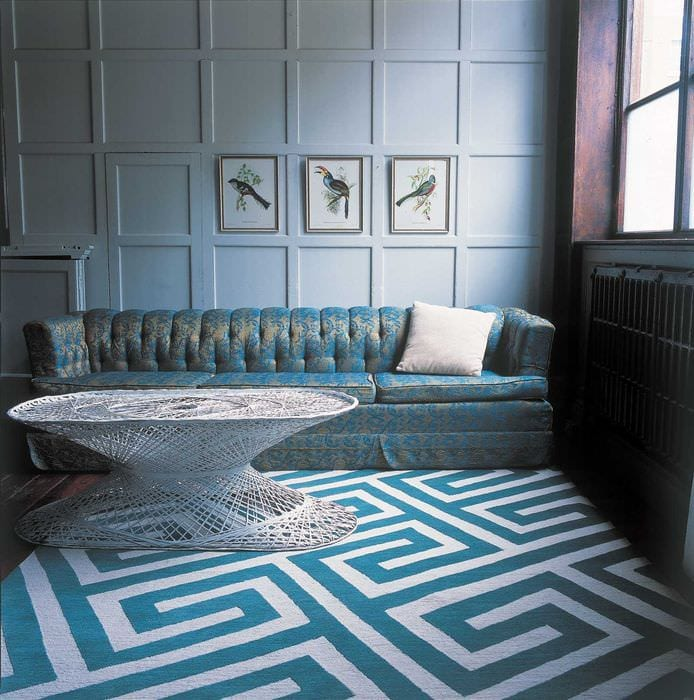 светлый стиль гостиной в голубом цвете