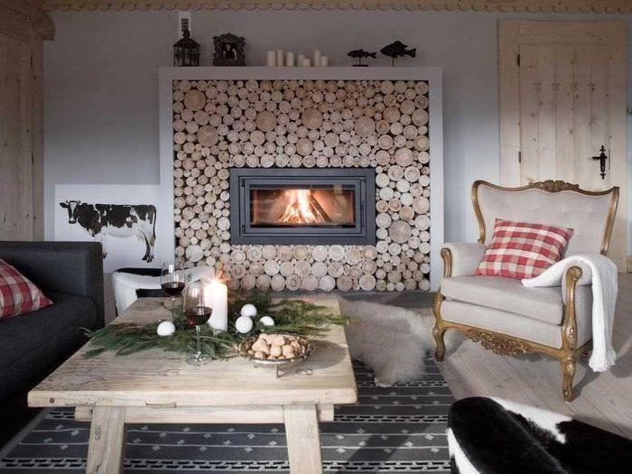 яркий дизайн спальни со спилами дерева