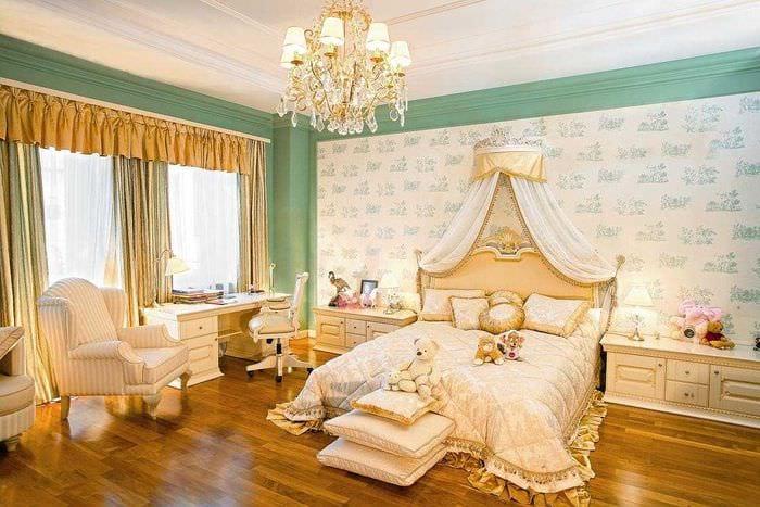 яркий декор комнаты в стиле ампир