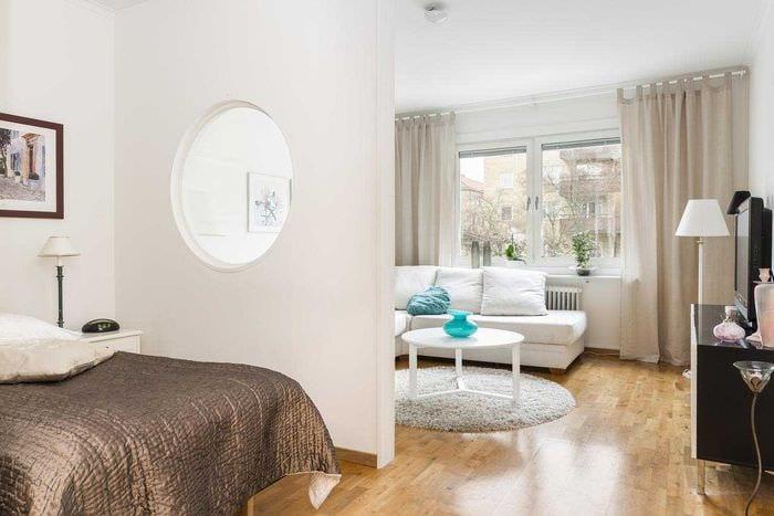 яркий дизайн спальни и гостиной в одной комнате