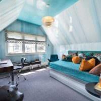 светлый декор комнаты в голубом цвете фото