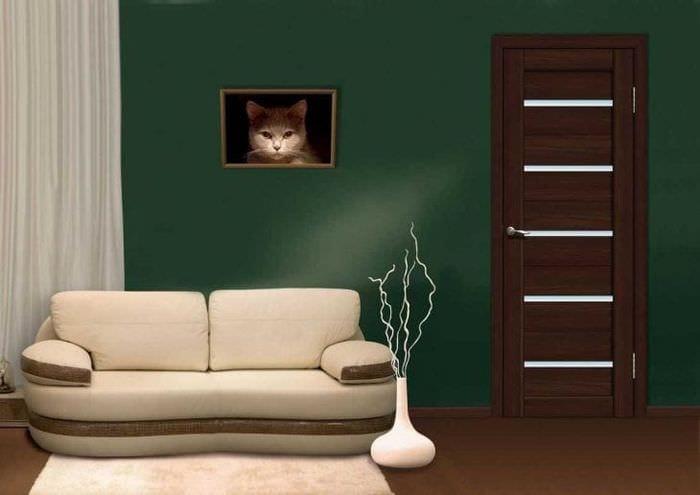 светлые двери в декоре дома