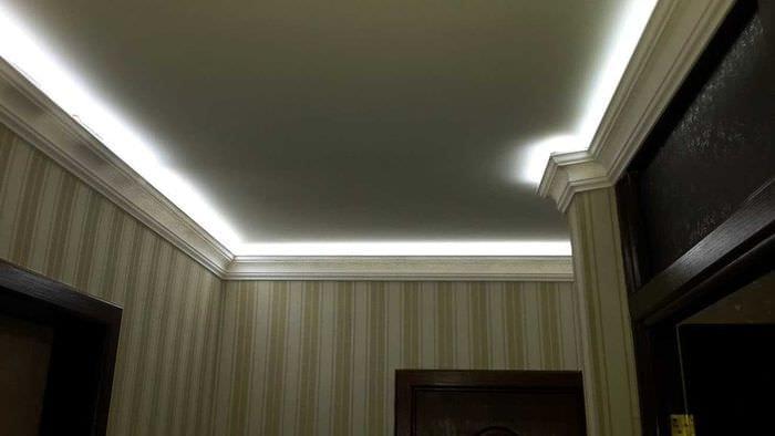 идея яркой led подсветки интерьера