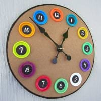 идея оригинального оформления часов своими руками фото
