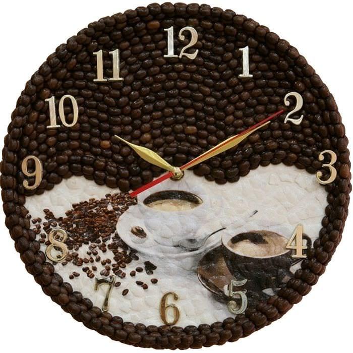 идея яркого декора настенных часов своими руками