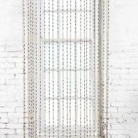 идея яркого декорирования штор своими руками фото