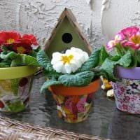 идея оригинального декора цветочных горшков фото