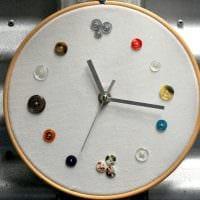 идея оригинального декорирования настенных часов своими руками картинка