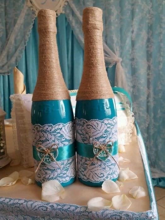 идея красивого оформления бутылок шампанского шпагатом