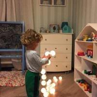 идея яркого украшения детской комнаты фото