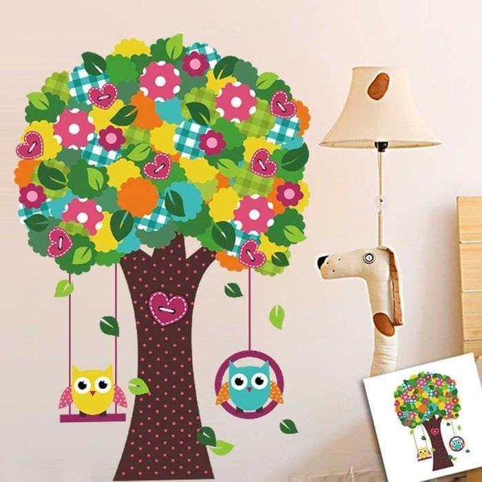 вариант красивого декорирования детской комнаты
