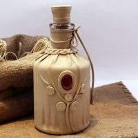 вариант красивого декора стеклянных бутылок из кожи своими руками фото