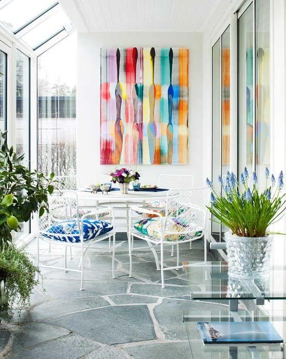 красивый интерьер квартиры в весеннем стиле