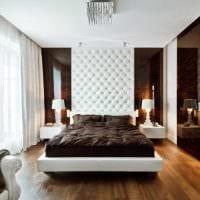 оригинальный декор гостиной со стеновыми панелями картинка