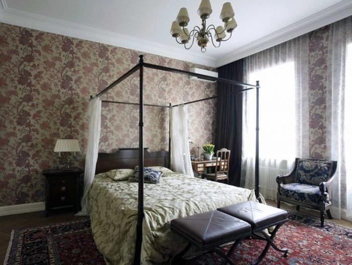 необычный интерьер гостиной в викторианском стиле