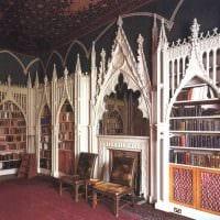 яркий интерьер комнаты в готическом стиле картинка