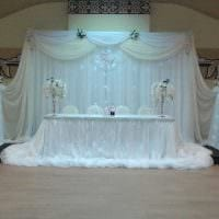 красивое украшение зала ленточками картинка