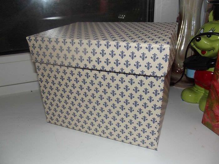 яркое оформление коробок подручными материалами