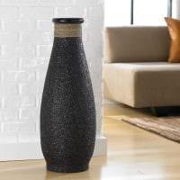 вариант красивого оформления напольной вазы фото