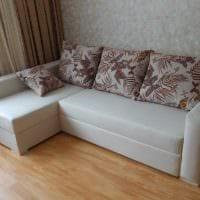 идея красивого интерьера кухни с диваном фото
