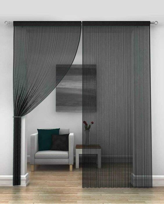 вариант ярких декоративных штор в интерьере комнаты