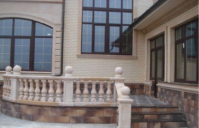 вариант необычного фасада дома