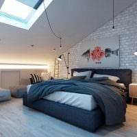 вариант яркого декорирования интерьера спальни фото