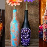 вариант необычного декорирования бутылок бисером картинка
