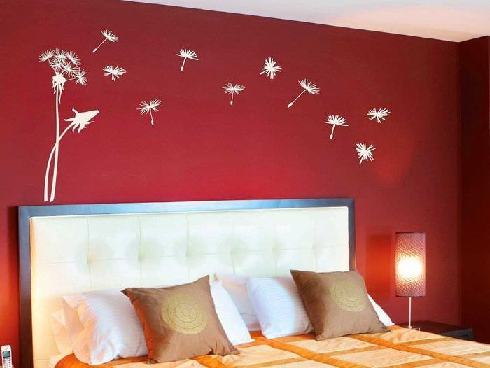 Как украсить стену в спальне своими руками фото 40