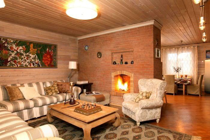 Дизайн гостиной в деревенском доме фото