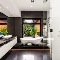 идея яркого дизайна белой ванной фото